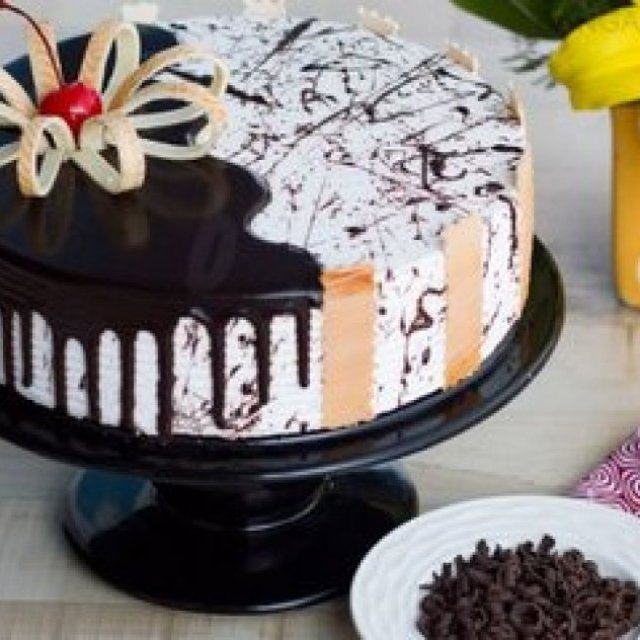 Cakes Delivery in Bangalore by Bakingo