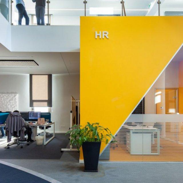 Best Interior Decortor For Office Designs